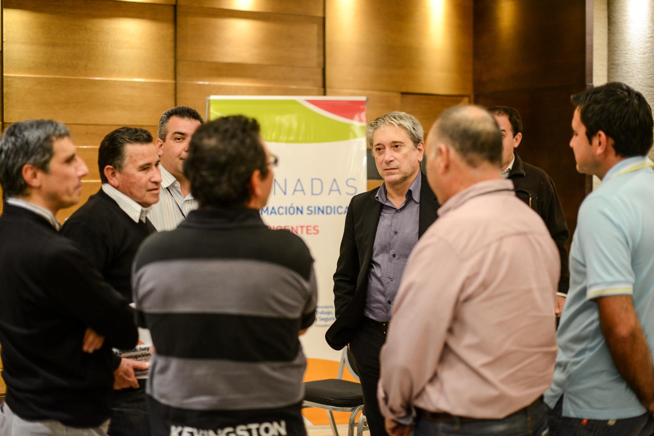 Carlos Felice junto a delegados gremiales